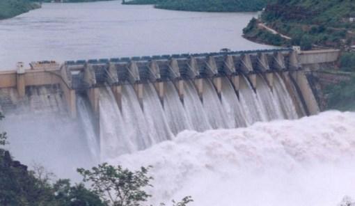 Gardiner Dam - Length: 5,000 m