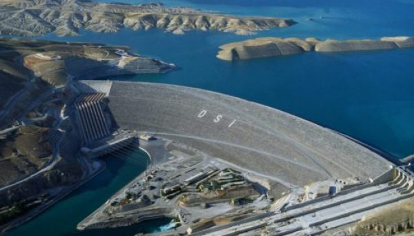 Atatürk Dam - Length: 1,820 m