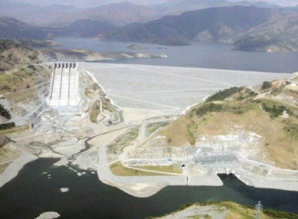 San Roque Dam - Length: 1,200 m