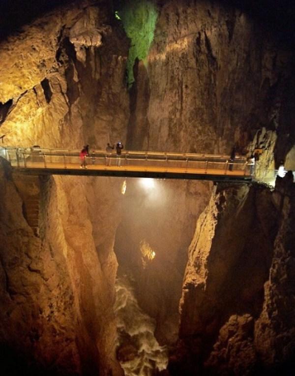 Čehi 2 Cave, Slovenia