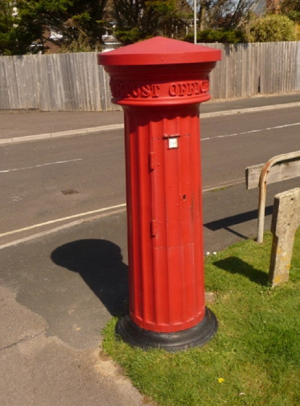 Pillar Box in Victoria Road, Milford-on-Sea