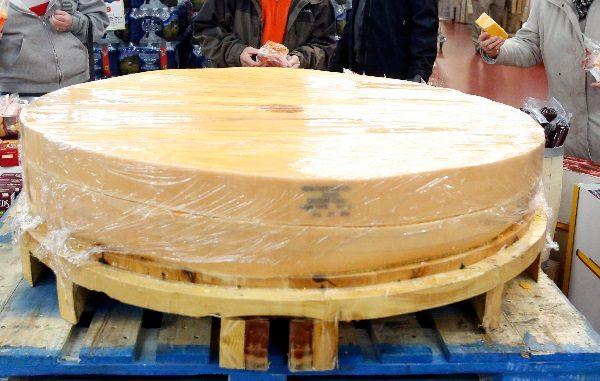1,200 lb Cheese