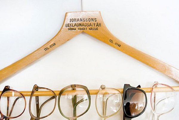 Old Clothes Hanger Used to Make a Glasses Hanger