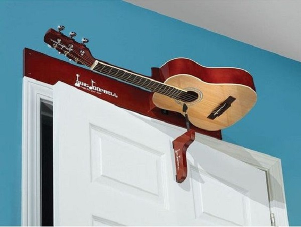 Old Guitar Turned Into a Door Chime