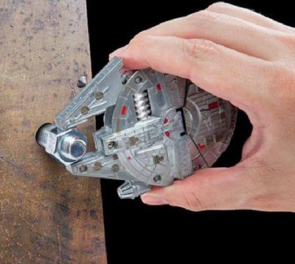 Star Wars - Millennium Falcon Shaped Multi-Tool Kit