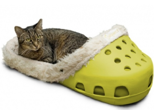 Croc Shoe Cat Bed
