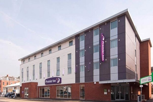 Premier Inn Exeter City Centre, Southernhay Gardens, Exeter