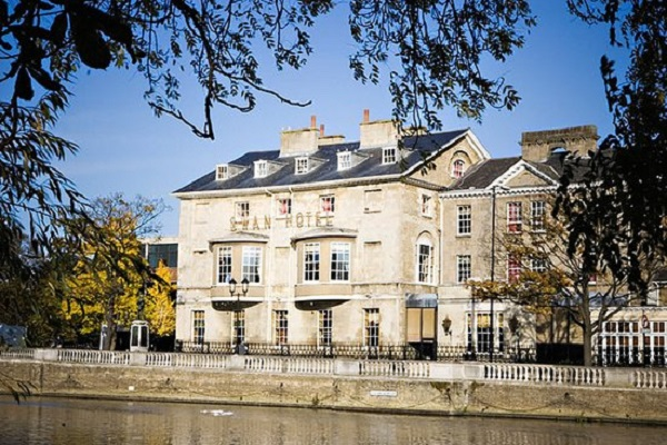 The Bedford Swan Hotel, The Embankment, Bedford