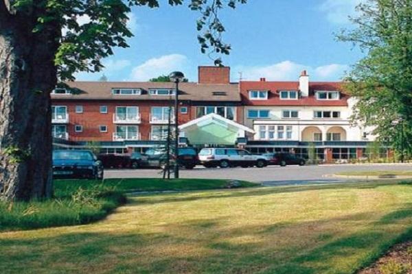 Regency Park Hotel, Bowling Green Road, Thatcham