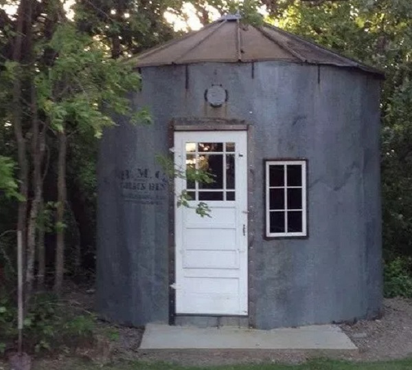 A Garden Shed Made From a Grain Silo