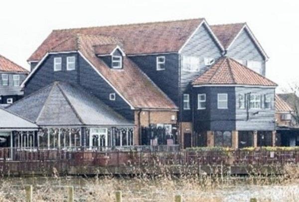 The Oysterfleet Hotel, Knightswick Road, Canvey Island