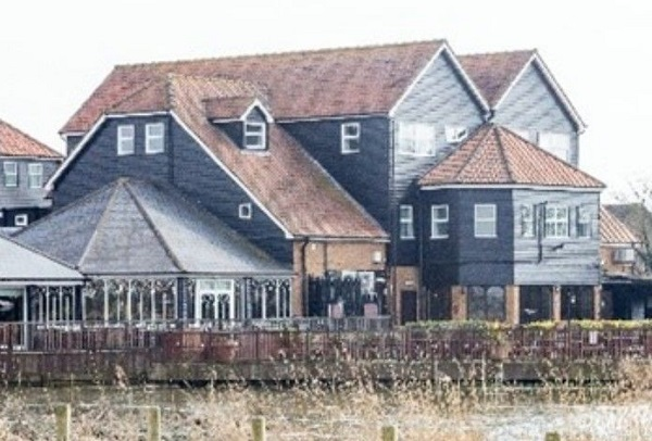 The Oysterfleet Hotel, Knightswick Road, Canvey Island
