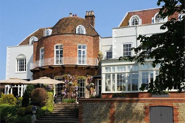 St Michael's Manor Hotel, Fishpool St, St Albans