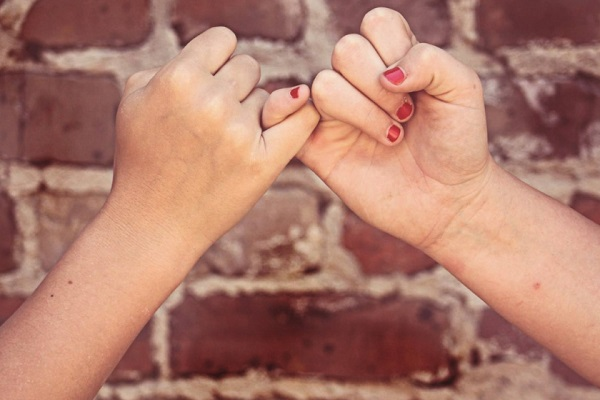 Things You Should Never Do With Your Therapist - Become Friends With Them