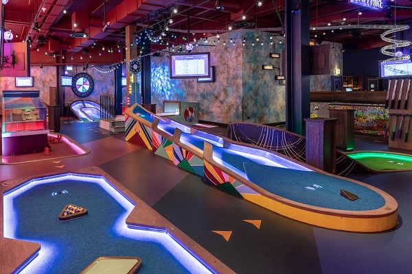 Entertainment Venues in London - Puttshack