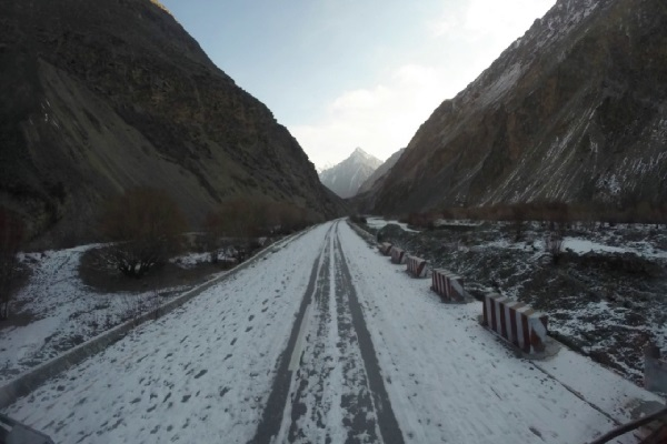 The Worlds Scariest Roads - Karakoram Highway