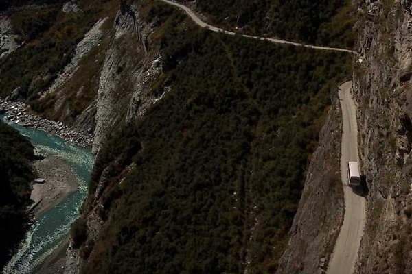 The Worlds Scariest Roads - Skippers Canyon Road, New Zealand