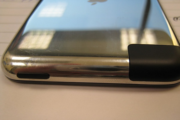 Reasons Your Devices Might Be Charging Slower - Dirty Ports