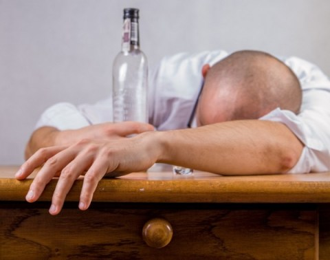 10 Alcohol Drinking Competitions That Went Horribly Wrong
