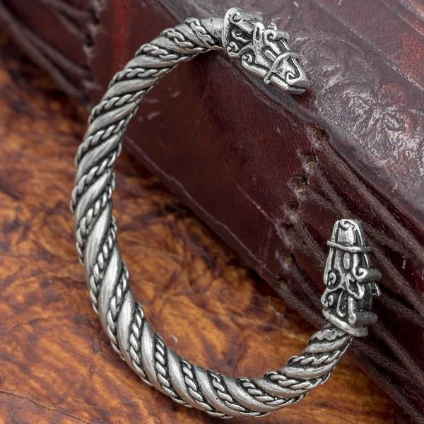 A Vikings Arm Ring
