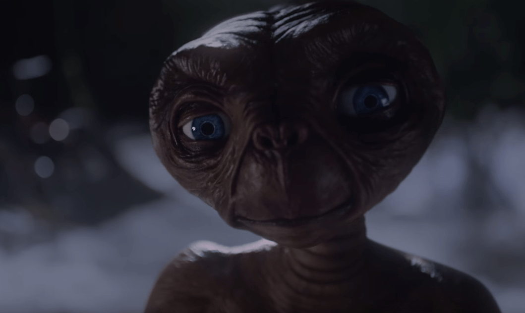 E.T Returns To Earth In This Christmas Ad From Xfinity image of E.T