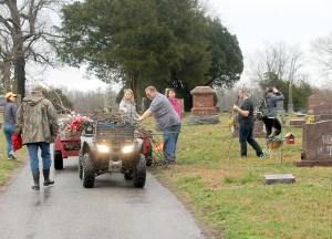 U Minn at cemetery