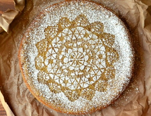 how to decorated a cake with a lace doily