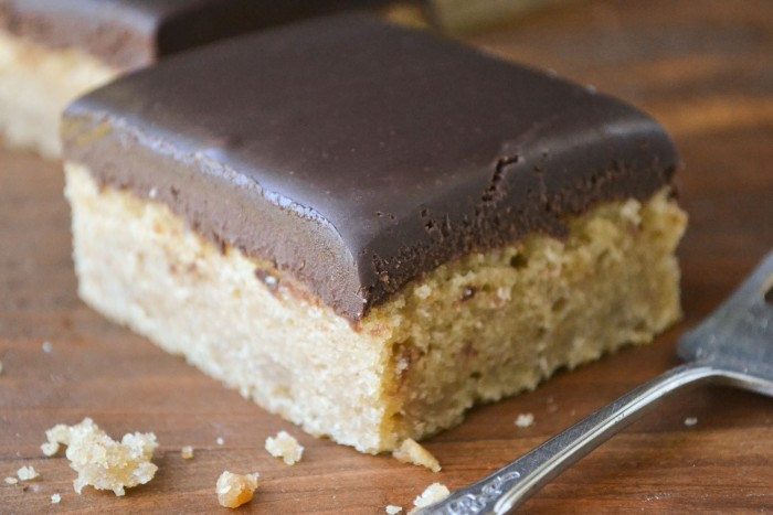 peanut butter cake with chocolate ganache frosting