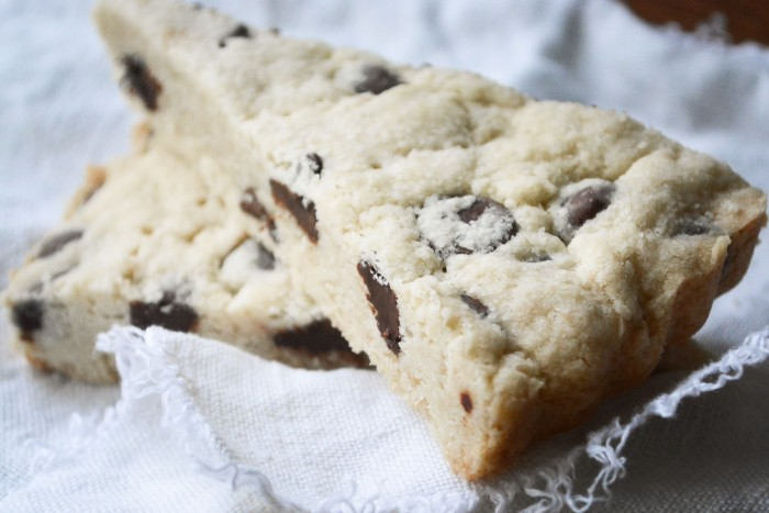 buttery chocolate chip shorbtread