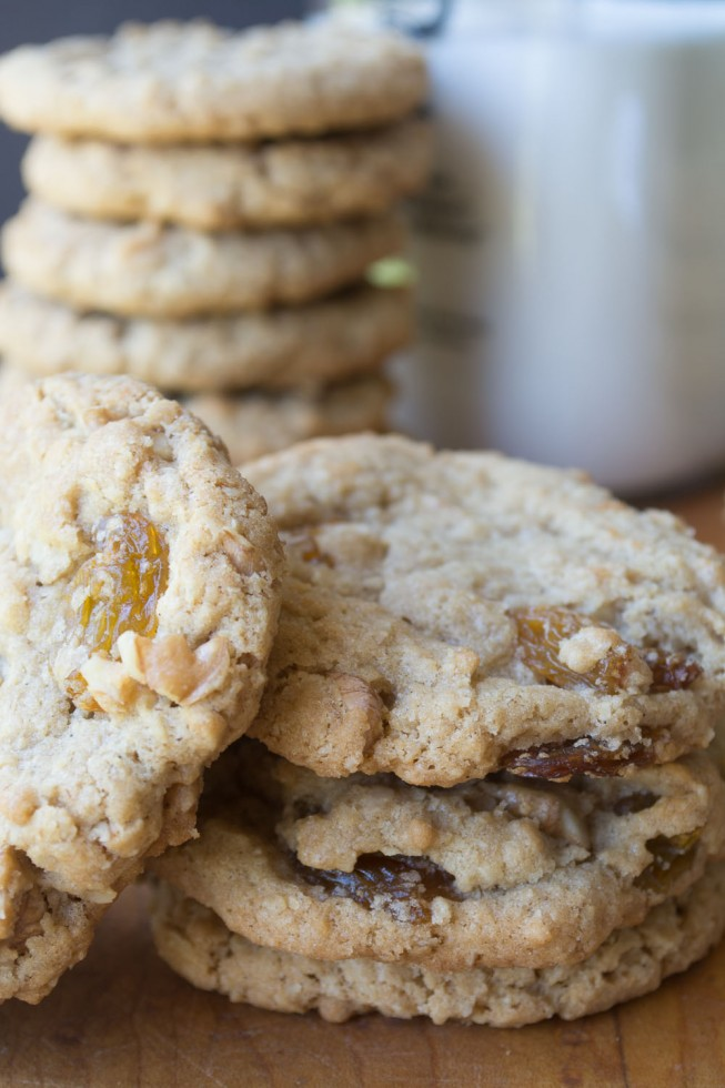 Crisp and chewy oatmeal cookies with raisins and walnuts