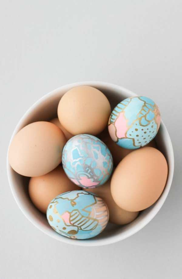 GRAFFITI ART EASTER EGGS by Paper & Stitch