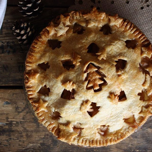Christmas Apple Pie from The Cookery Wife