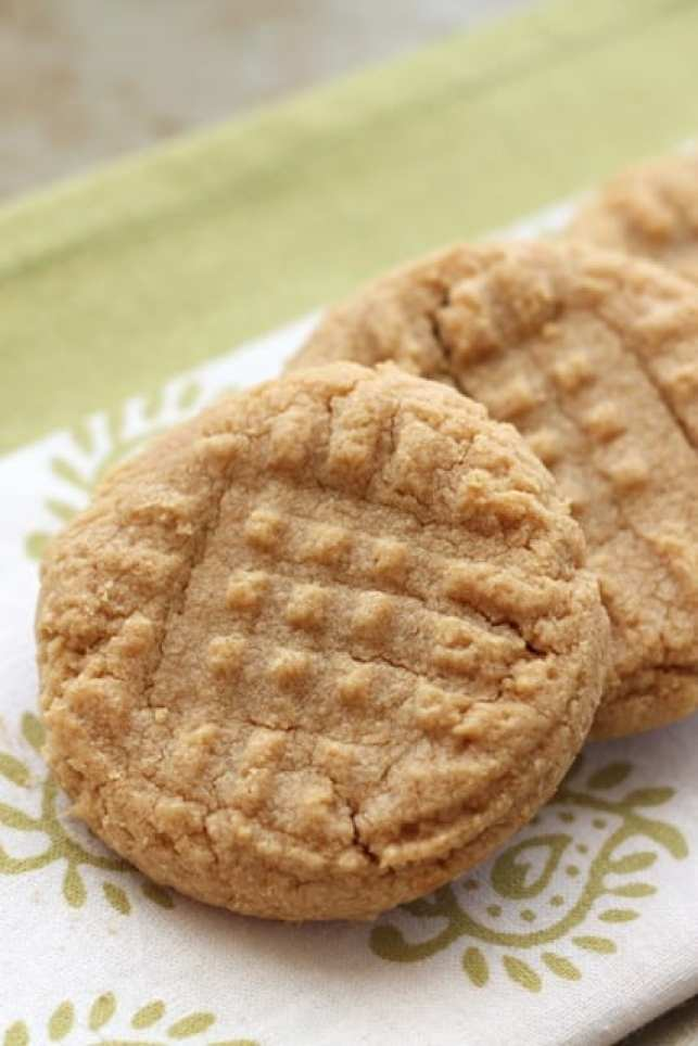 Peanut Butter Cookies from Barefeet in the Kitchen