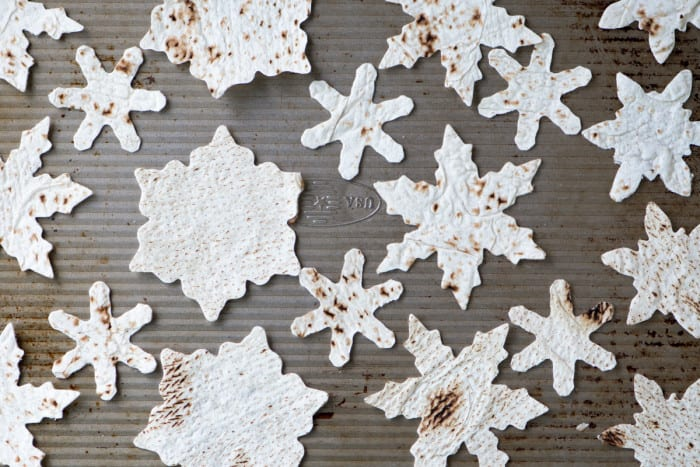 Making easy baked Snowflake Pita Chips for guacamole and hummus ~ theviewfromgreatisland.com