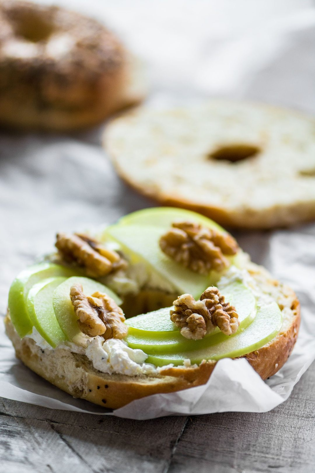 Irresistible Bagel Toast (your new favorite snack!) Bagel topped with apple and cream cheese