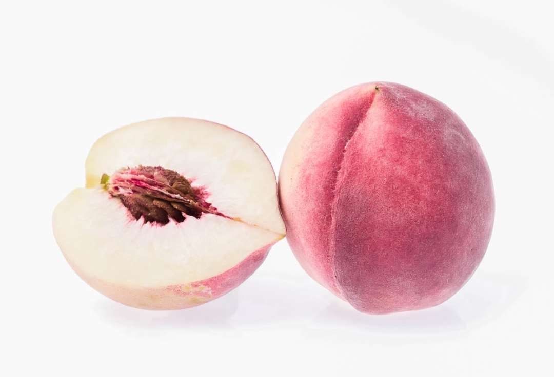 white peaches for white peach popsicles
