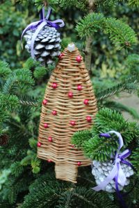 Make Your Own Tree Decorations At Rushmere