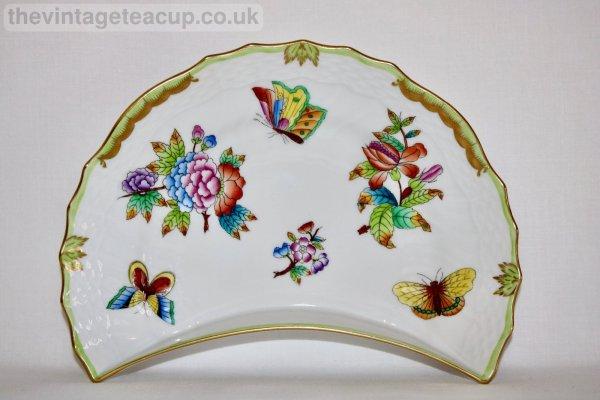 Herend Queen Victoria Crescent Plate
