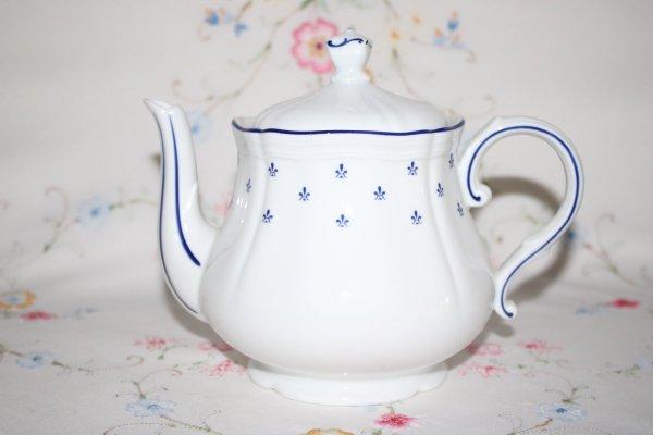 Richard Ginori Teapot
