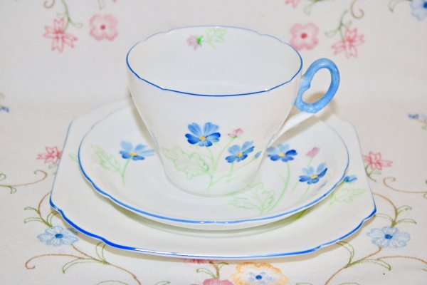 Shelley Corncockle bone china trio