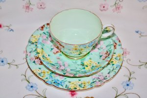 Shelley Melody chintz pattern trio