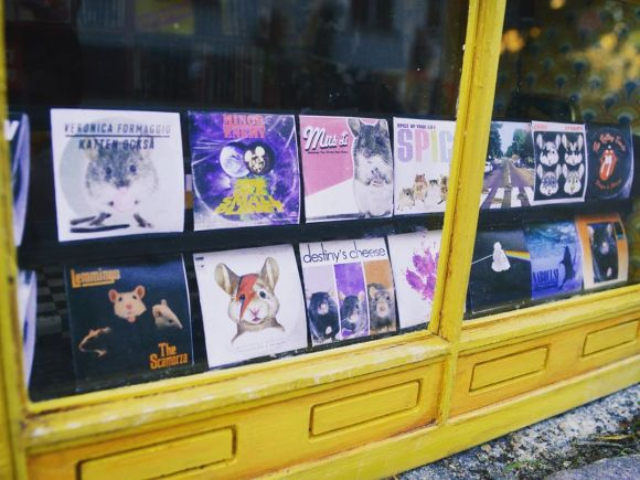 A new miniaturerecord shop for mice has opened in Sweden, called ...