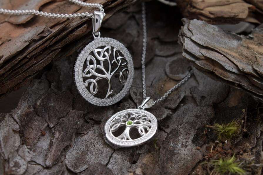 Different Ways to Wear Celtic Pendants