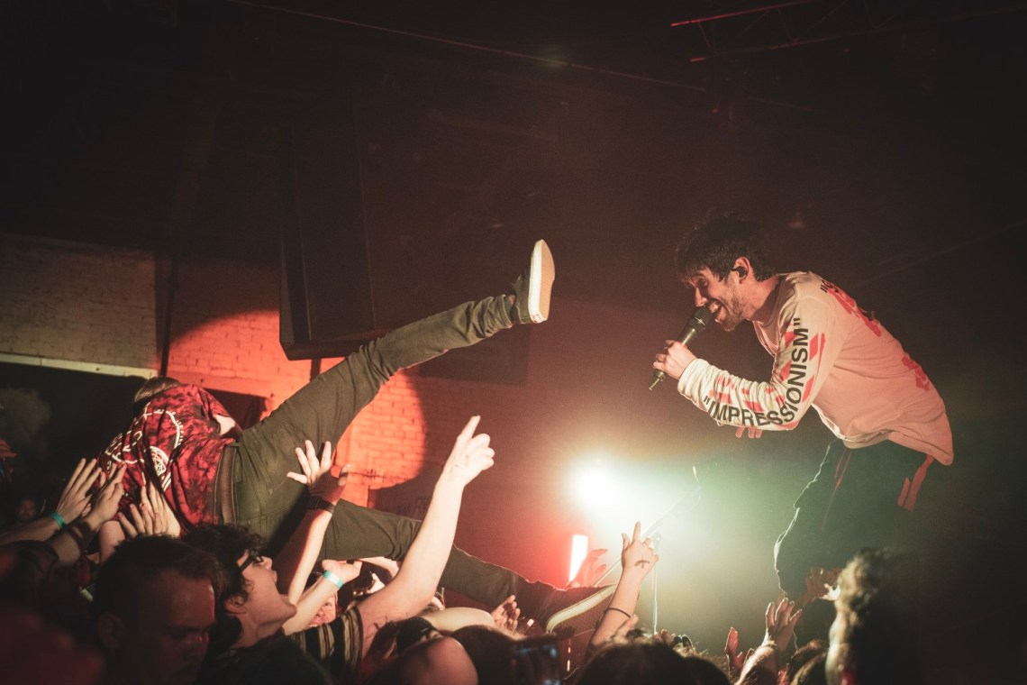 09_crown the empire