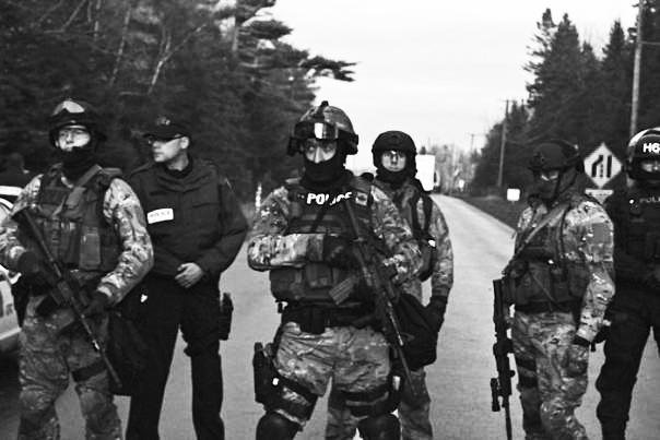 anti-terror-elsipogtog-oct-17-2013-rcmp-ert-4