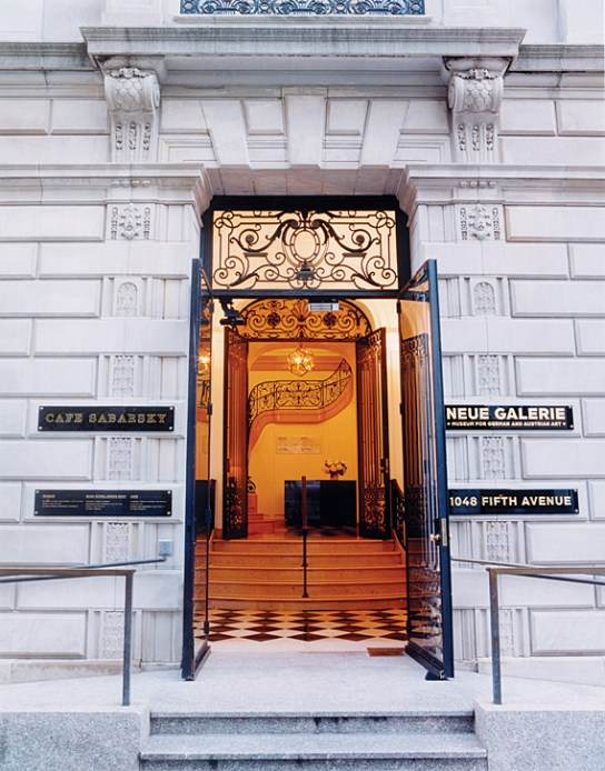 Grand staircase of the Neue Galerie New York. Photo credit: Andre Maier, Main entrance to 1048 Fifth Avenue. Architects: Carrere & Hastings, 1912–1914, Neue Galerie, New York, NY November 2006