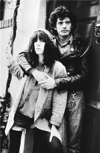 patti-smith-robert-mapplethorpe-nyc-1977-kate-simon