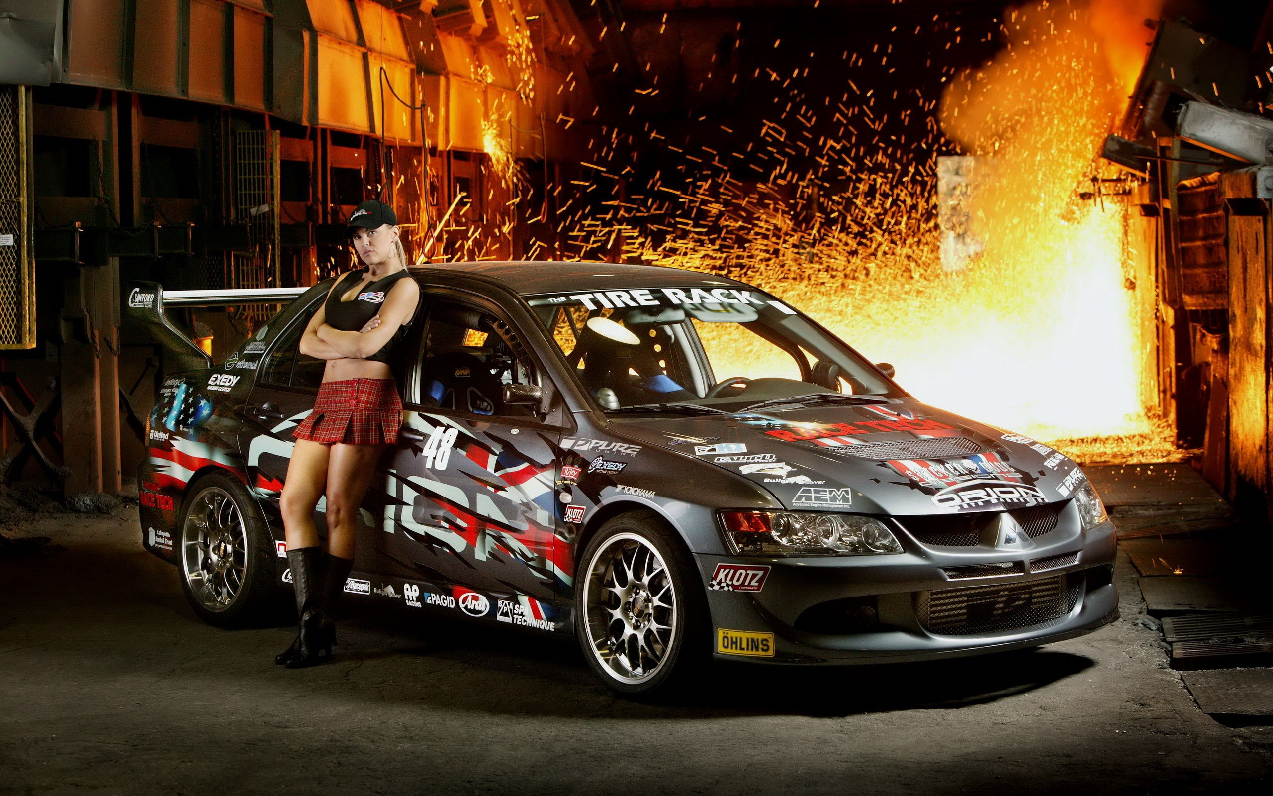 Girl And Car Full Screen High Definition Wallpaper Images Download Desktop Images Abstract Best 2560x1600 The Wallpaper