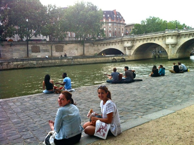 Eating on the Seine in Paris