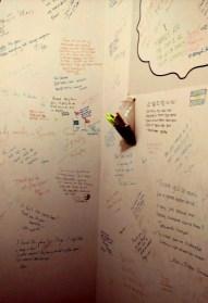Au revoir: Plenty of messages left behind